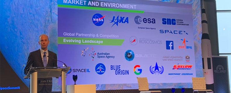Dennis Muilenburg makes the announcement at the JFK Space Summit